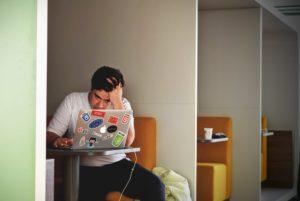 Zuviel Stress kann aufs Auge gehen